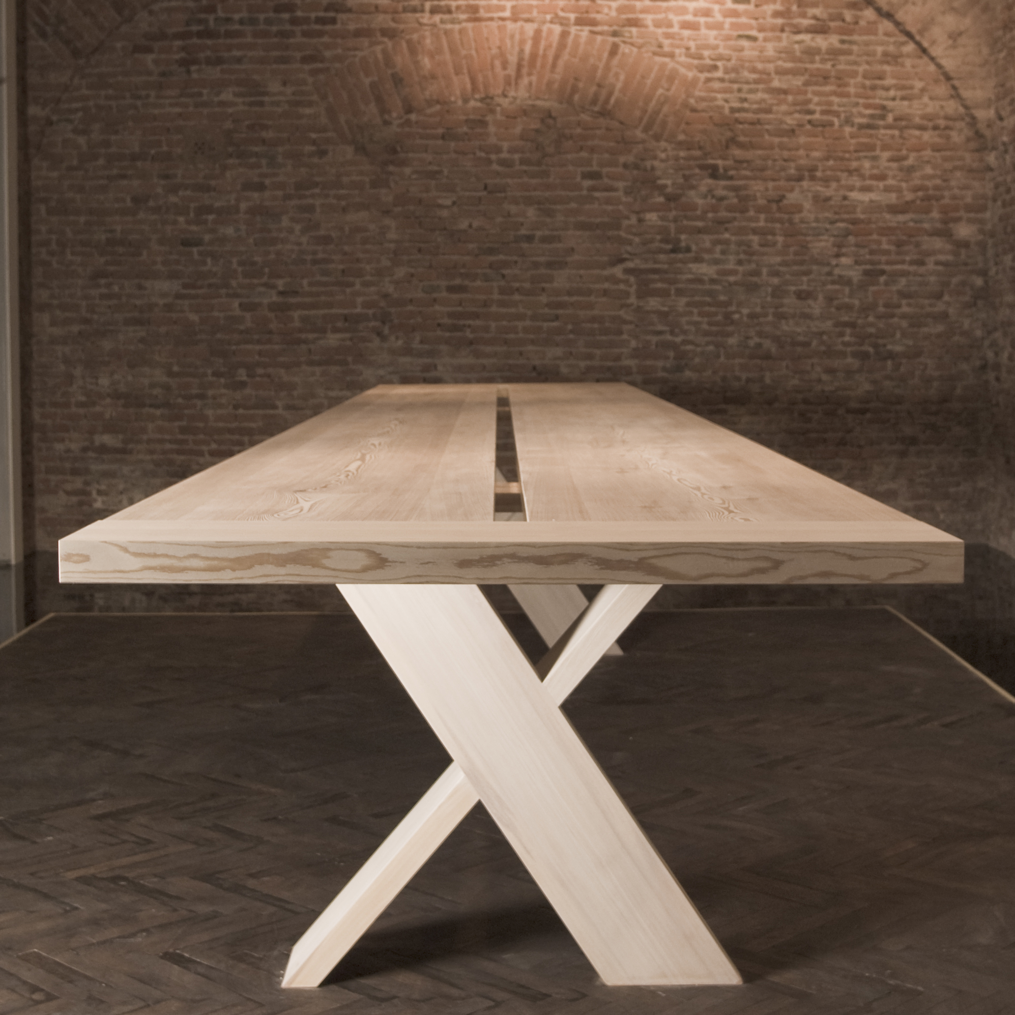X - Table